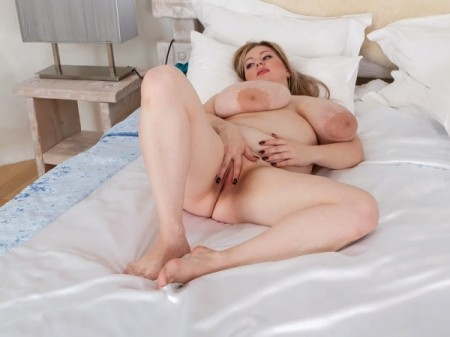 Antica - Solo BBW video