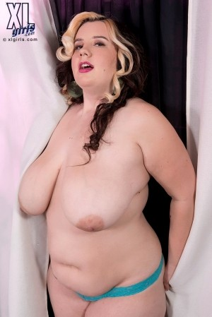 Marilyn White - Solo BBW photos