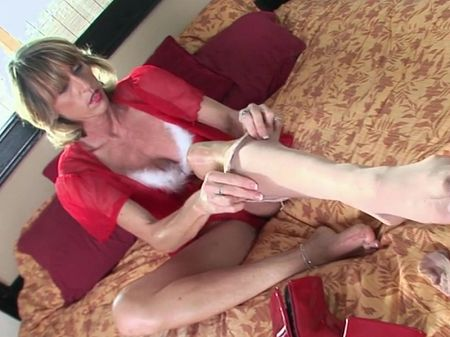 Caelea Starr - Solo Feet video