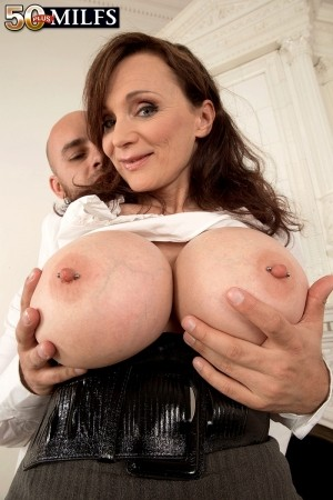 Michaela O'Brilliant - XXX MILF photos