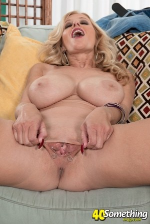 Holly Claus - Solo MILF photos