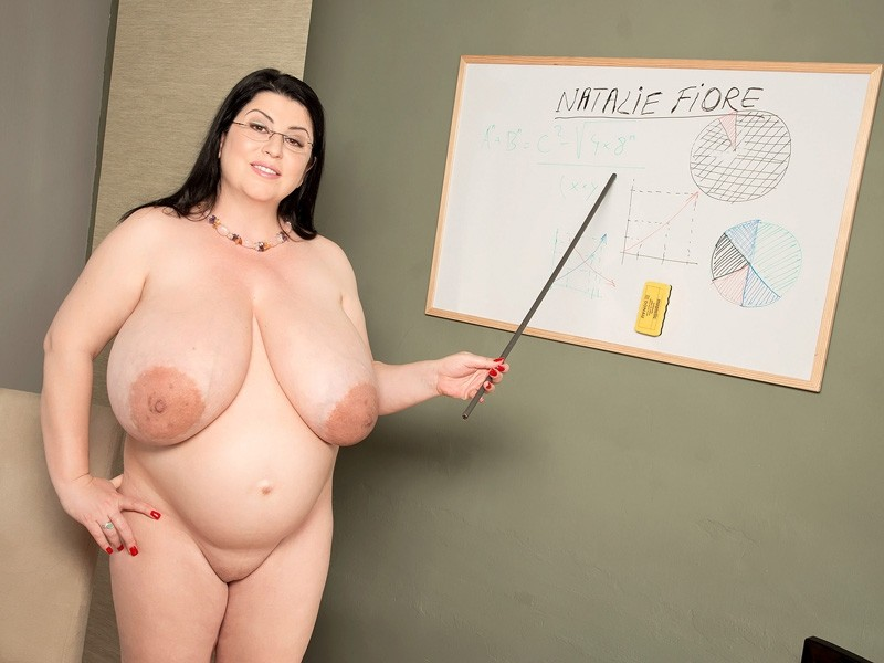 Fiore nude Natalie pussy