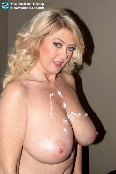 Tahnee Taylor - Solo Big Tits photos