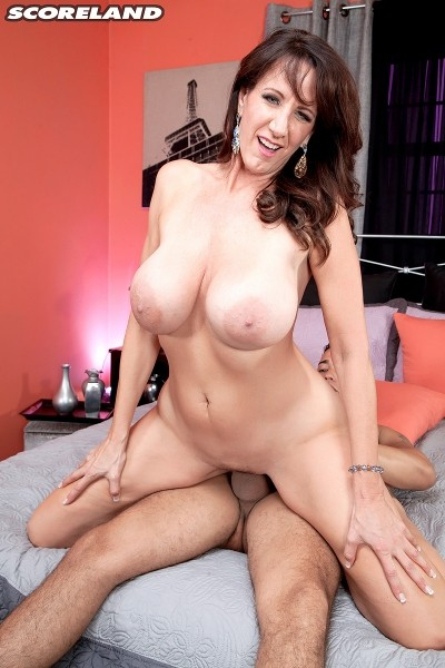Cassie Cougar - XXX Big Tits photos