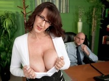 FUCKING THE BIG-TITTED MILF WHO'S WEARING GLASSES