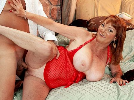 Lynn Belmont - XXX MILF video