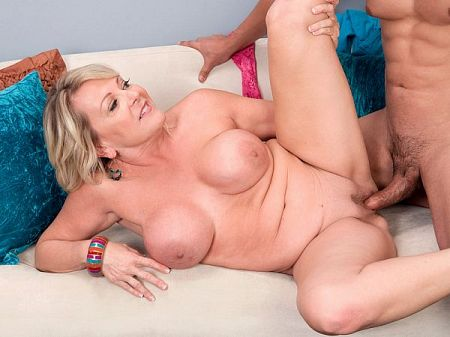 Morgan Monroe - XXX MILF video