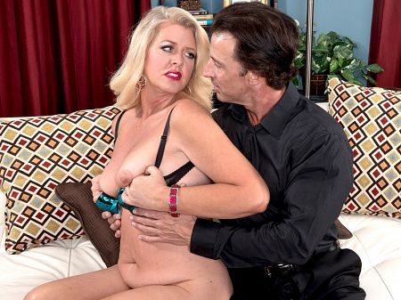 Kay DeLynn - XXX MILF video
