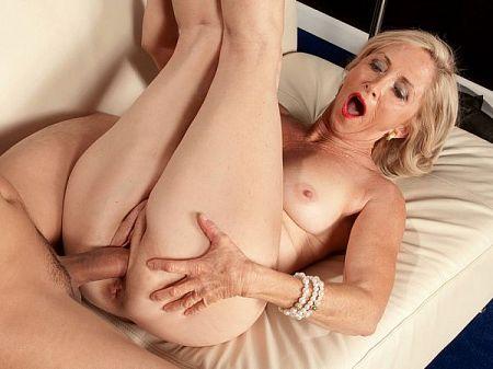 Connie McCoy - XXX MILF video