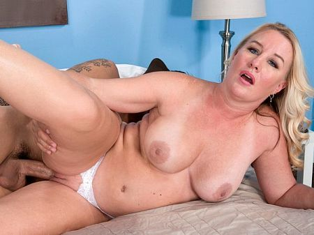 Jenna Bouche - XXX MILF video