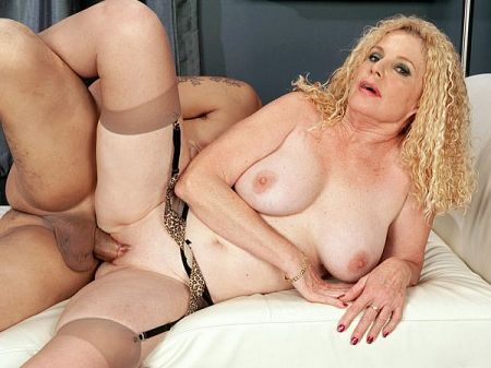 Charlie - XXX MILF video
