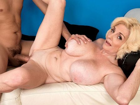 Missy Thompson - XXX MILF video
