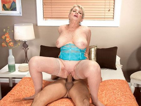 Lin Boyde - XXX MILF video