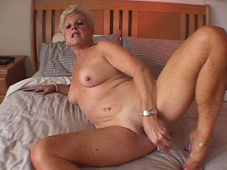 Jewel - Solo MILF video