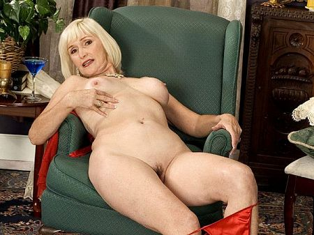 Lola Lee - Solo MILF video