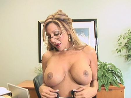 Demi Delia - Solo MILF video