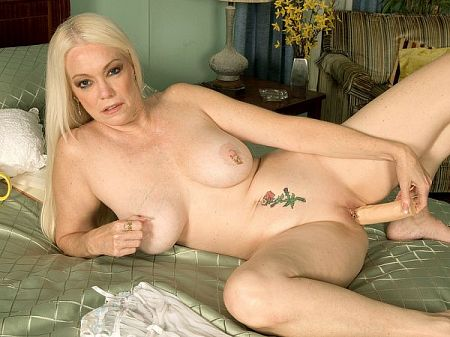 Stormy Rose - Solo MILF video