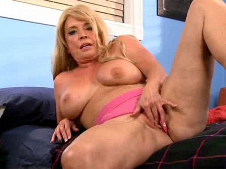 Lexi McCain - Solo MILF video