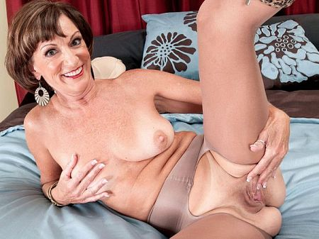 Sydni Lane - Solo MILF video