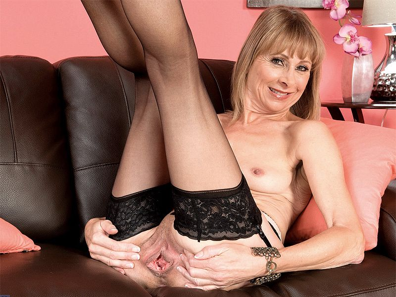 60something and gaping - Patsy (15:06 Min.) - Old Horny MILFs