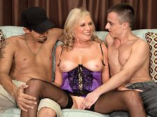 A threesome for Mom