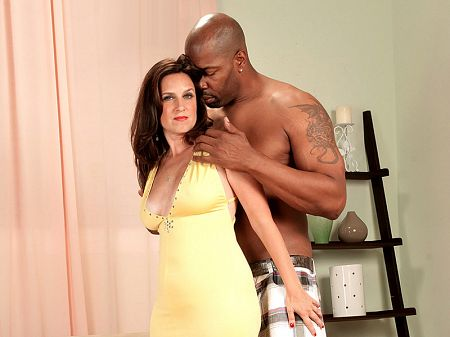 Gillian Sloan - XXX MILF video
