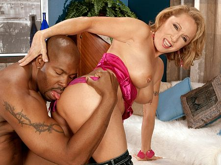 Lucas Stone - XXX MILF video