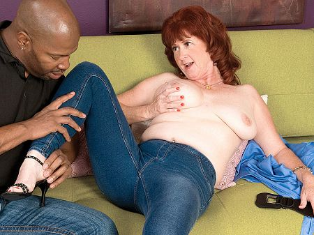 Shirley Lily - XXX MILF video