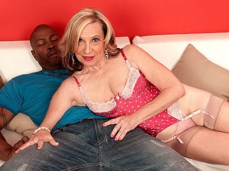 Miranda Torri - XXX Granny video