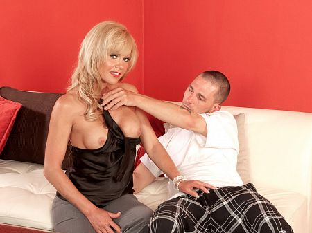Jenny Hamilton - XXX MILF video