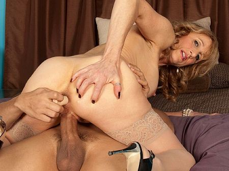Shana DuPlae - XXX MILF video