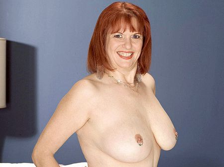 Angie Summers - Solo MILF video