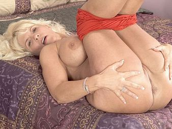 Jerrika Micheals - Solo MILF video