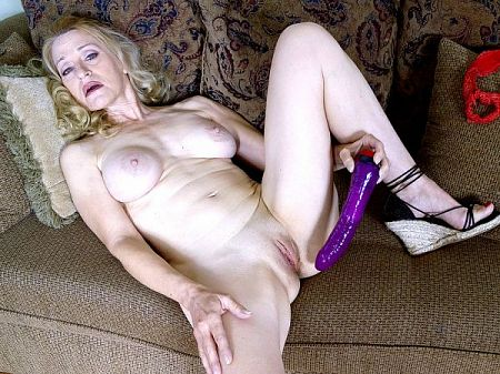 Robbin Pachino - Solo MILF video