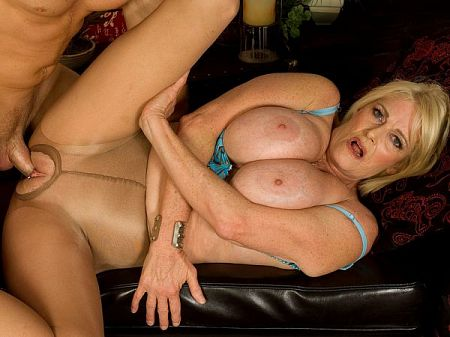 Rose Marie - XXX MILF video