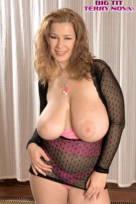 Terry Nova - XXX Big Tits photos