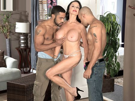 King Noire - XXX Granny video