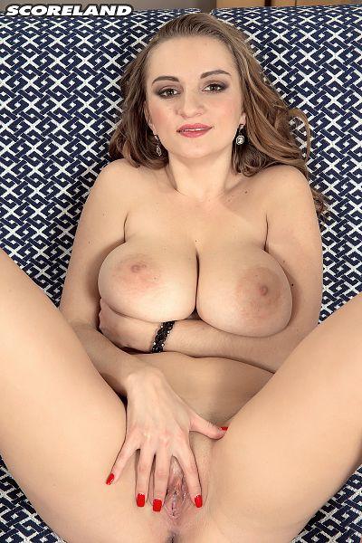 girl-stripped-tits-in-the-sun-fuckin-movies