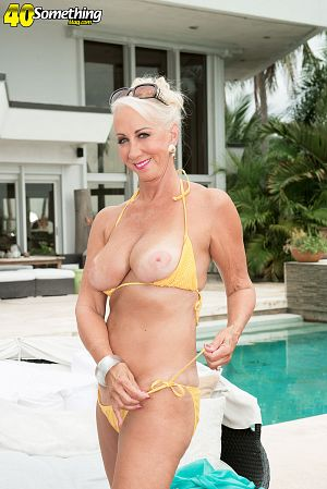 Madison Milstar - Solo MILF photos