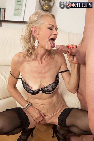Beata - XXX Granny photos
