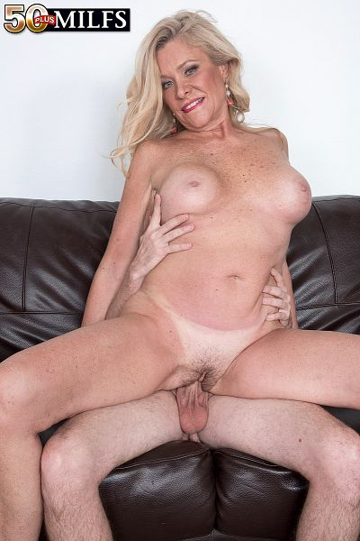 Lauren Taylor - XXX MILF photos