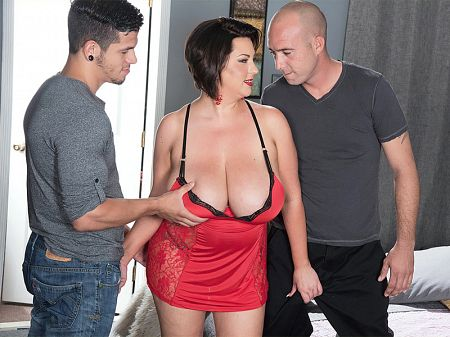 Paige Turner - XXX Big Tits video