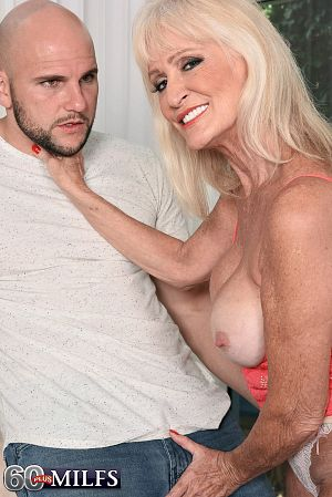 Leah L'Amour - XXX Granny photos