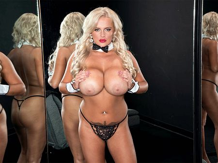 Katie Thornton - Solo Big Tits video