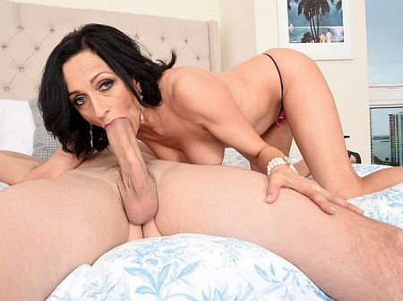 Karma Karson - XXX MILF video