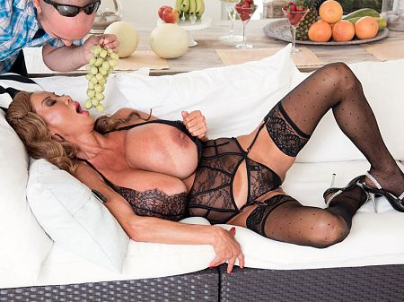 Minka - XXX Big Tits video