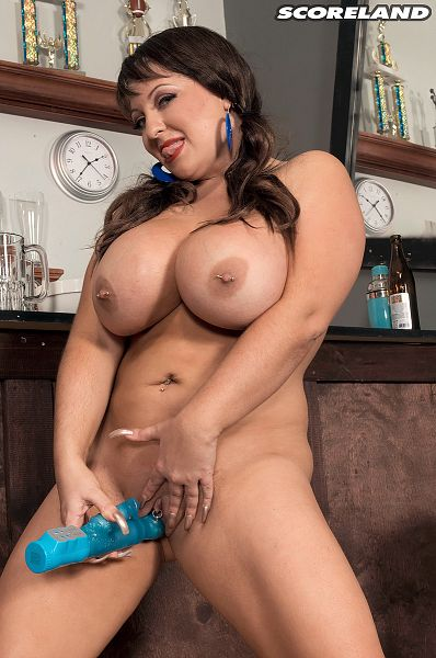Angel Gee - Solo Big Tits photos