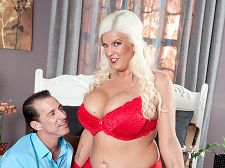 H-cup blonde craves cooze cream
