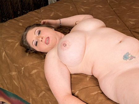 Skyie Blew - XXX BBW video