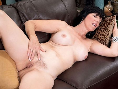 Raven Flight - Solo MILF video